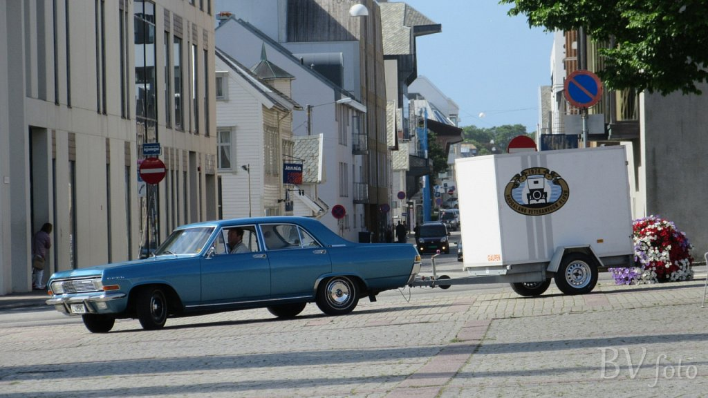 Opel Kapitän (low res.16:9)