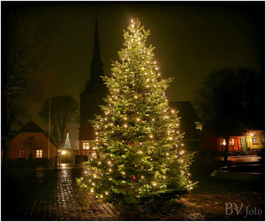 Torvets Juletræ - HDR