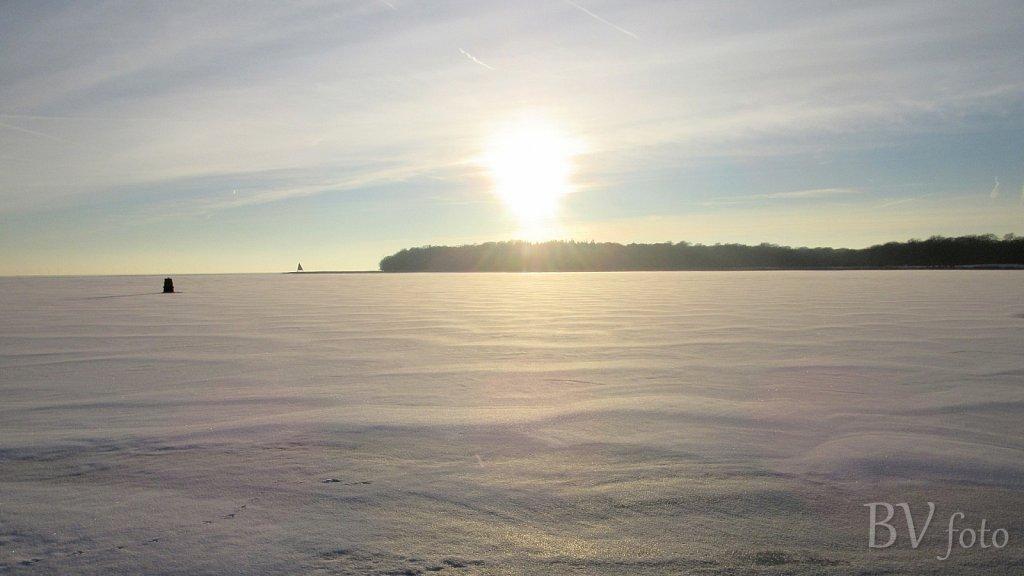 Isvinter med tilfrosset hav