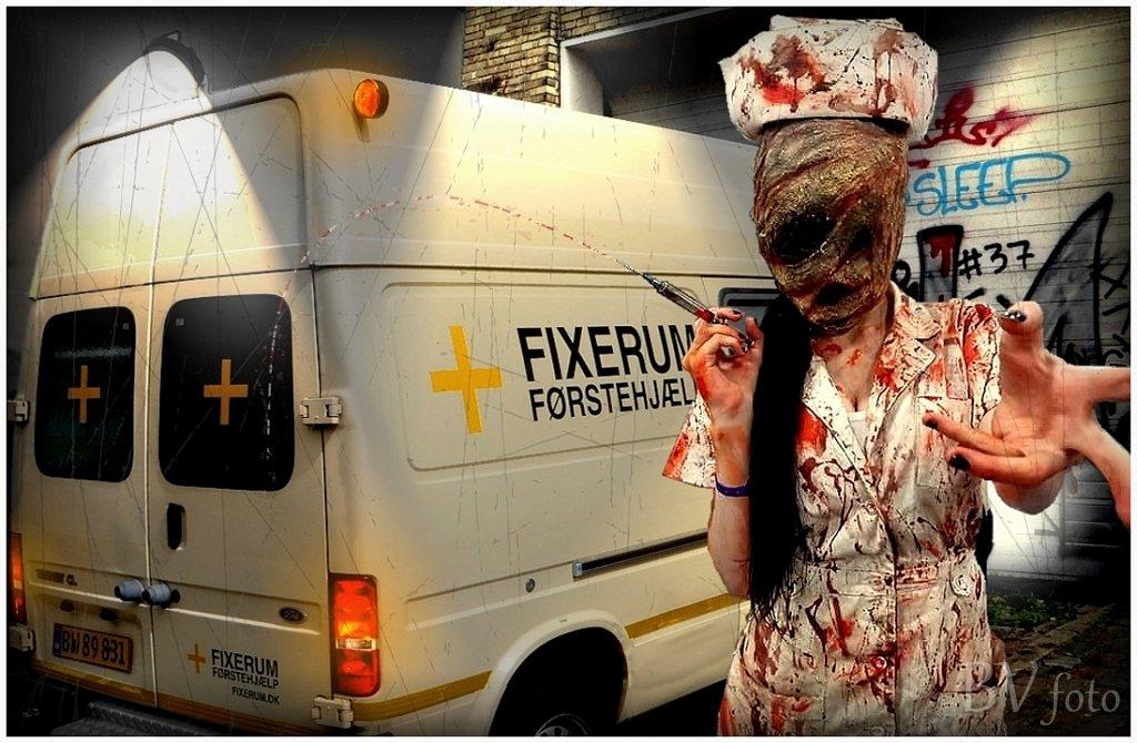 Fixerum Ghost Nurse Cosplay