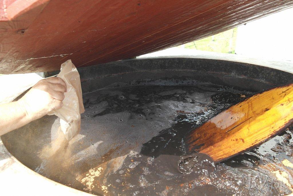 Barkpulver tilsættes