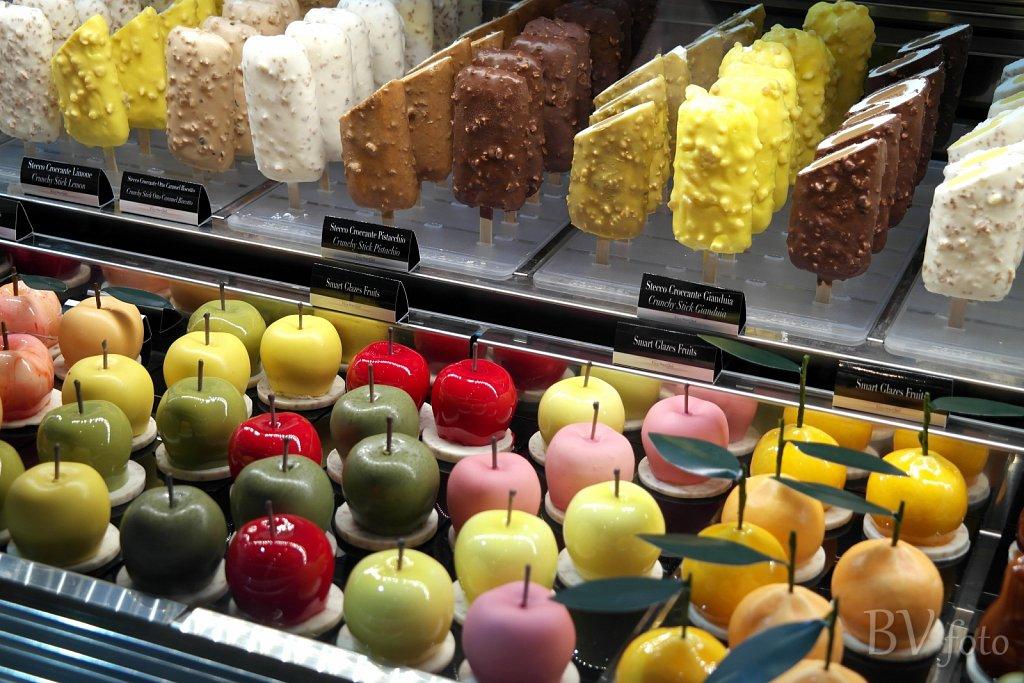 Ispinde og æbler af is